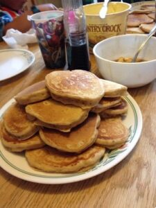 Bekah's apple pie pancakes