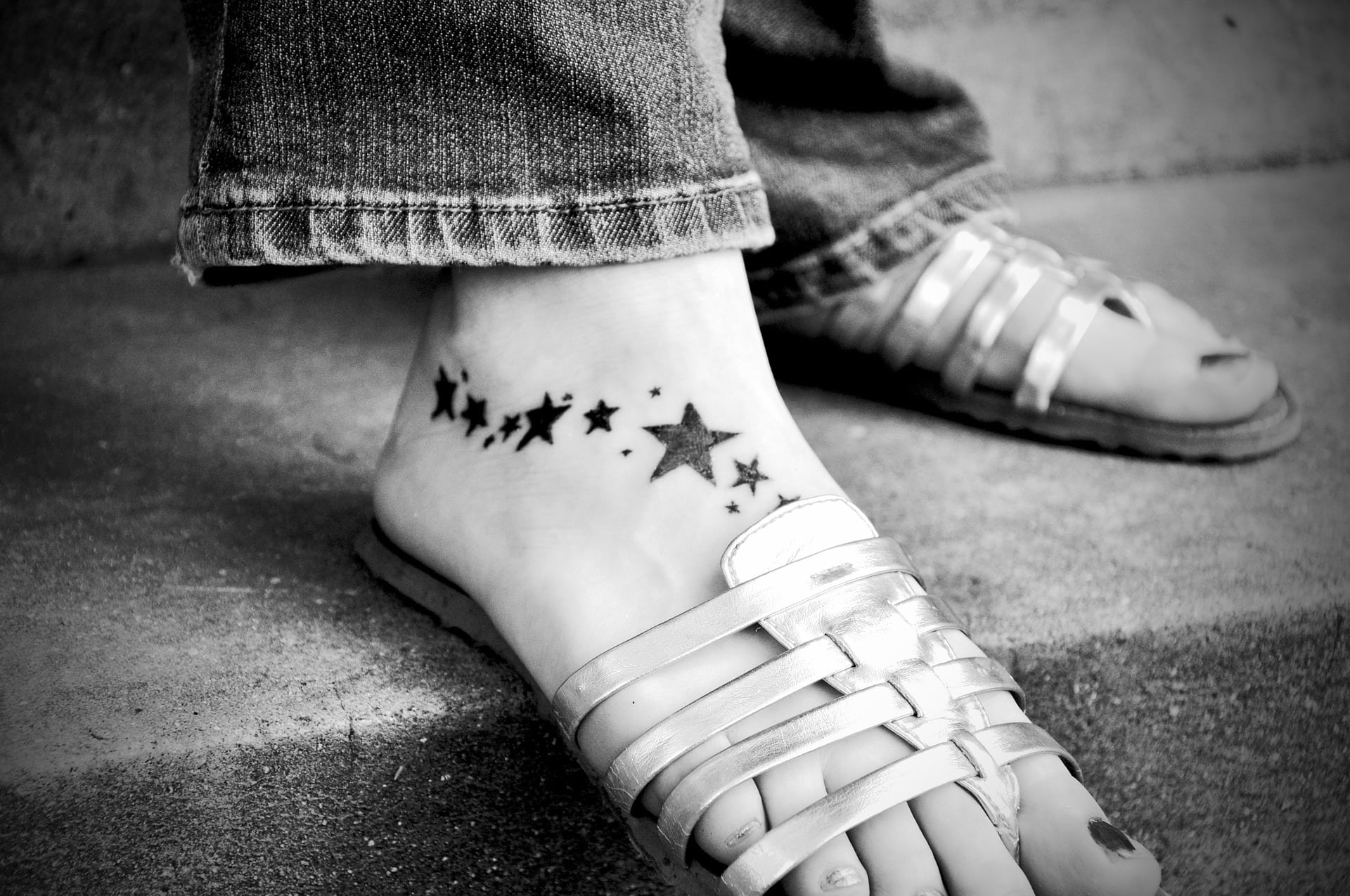 Tattoo of butterflies on foot, small and pretty|The Holy Mess