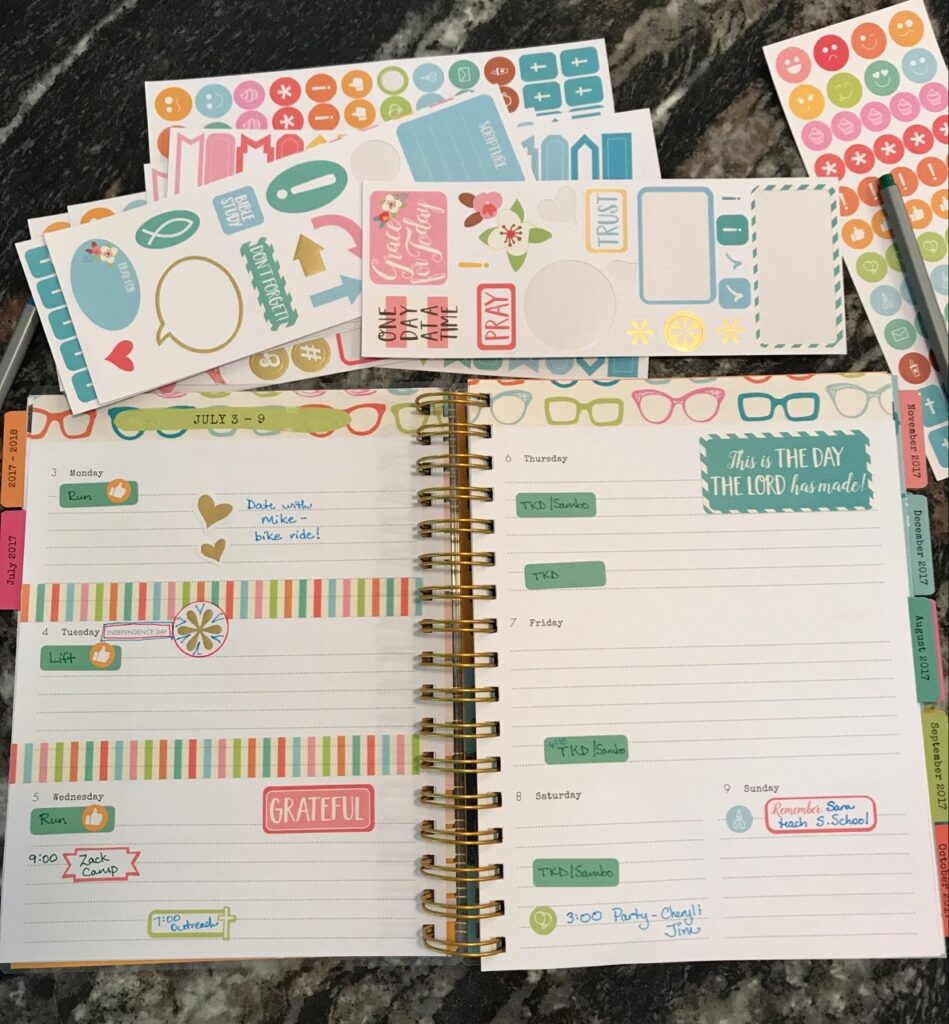 DaySpring Agenda Planner Reveal 2017|The Holy Mess