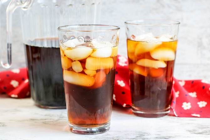 sugar free iced tea in clear glasses with ice