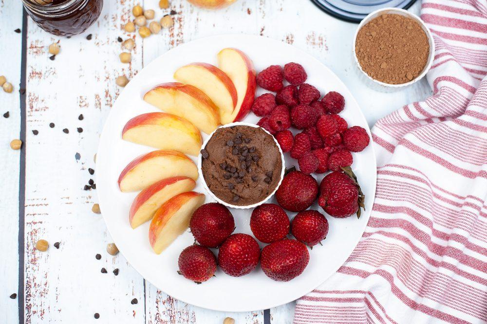 ww dessert hummus on plate with fruit